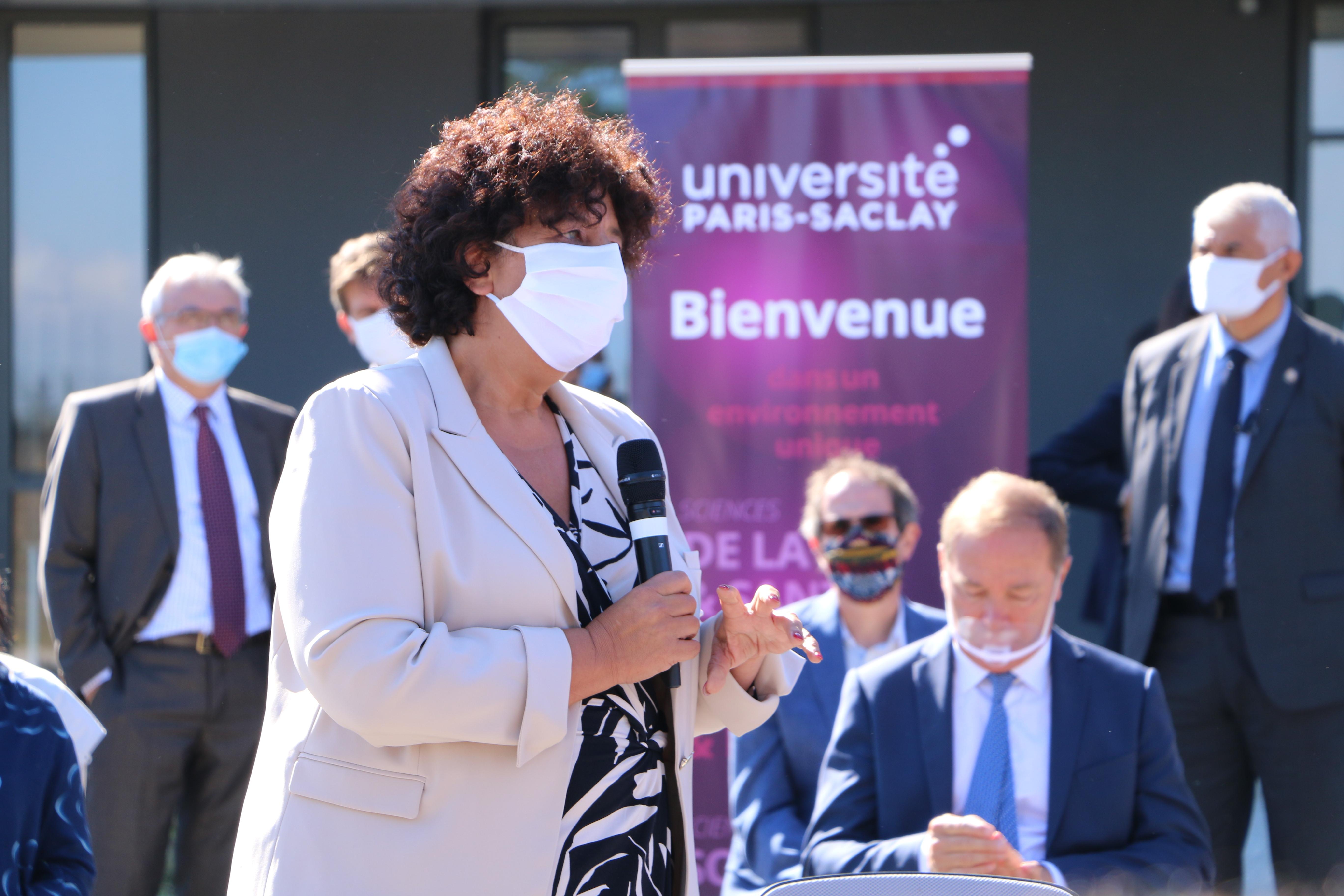 Visite des ministres Frédérique Vidal et Jean Castex au LSCE